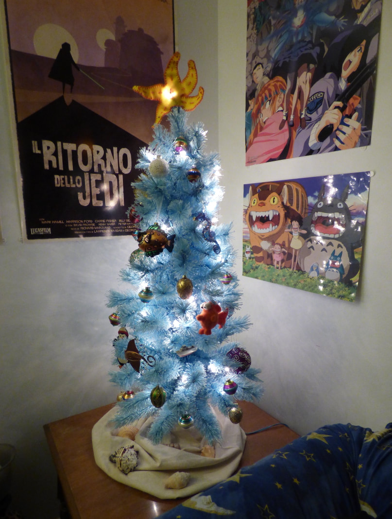 Nautical-themed Christmas tree
